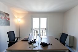 Fully equipped two workspaces in boulogne business center