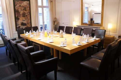 Professional meeting rooms in Paris Louvre business center